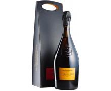 """Шампанское Veuve Clicquot """"La Grande Dame"""" 2004 12% 0,75л в подарочной упаковке"""